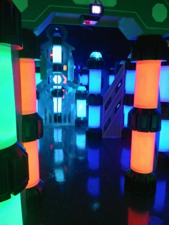 "<span style=""font-weight: bold;"">new INDOOR LASER-TAG arena</span>"