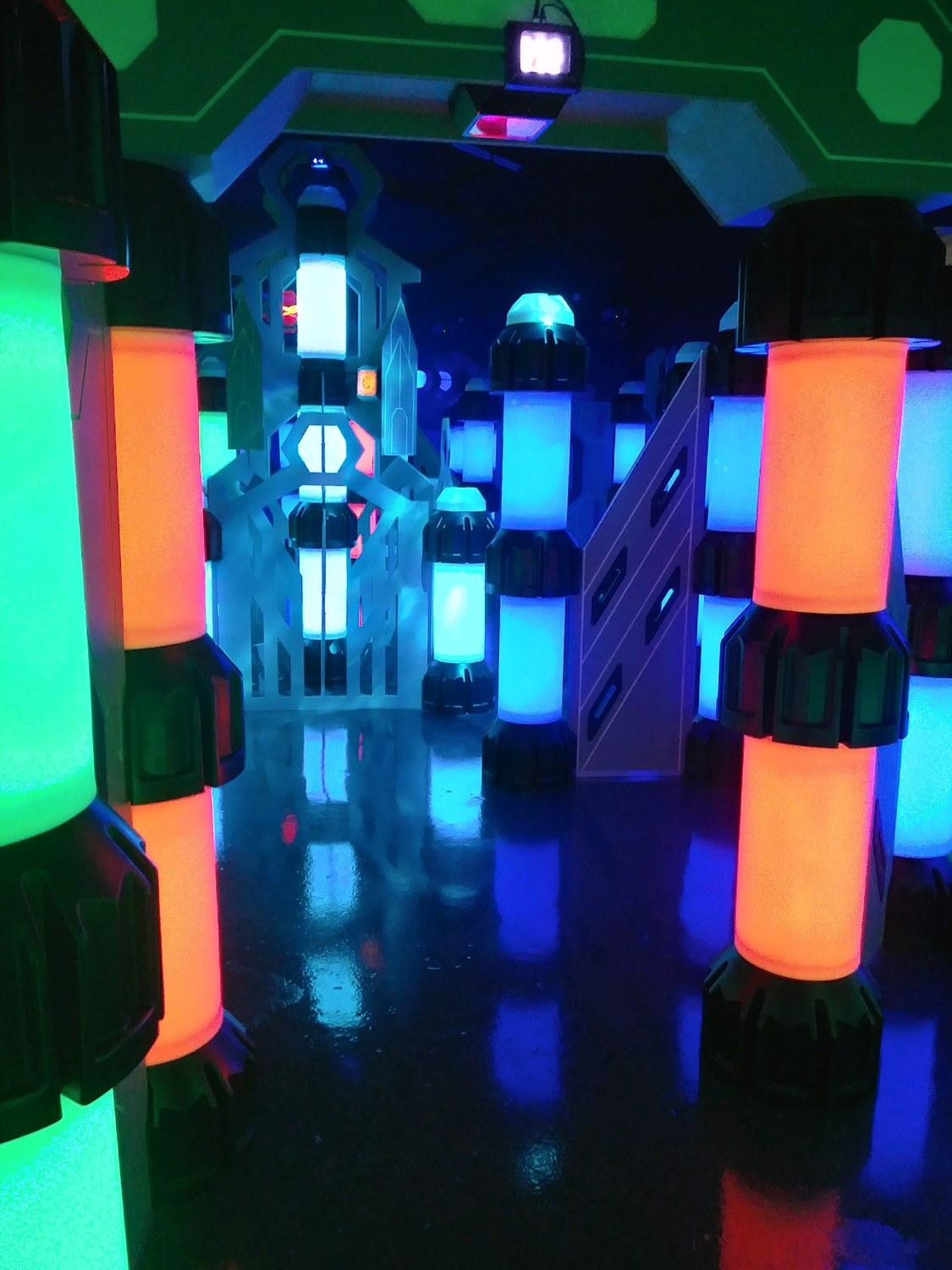"<span style=""font-weight: bold;"">new year-round 3000+ sq. ft. LASER-TAG arena</span>"